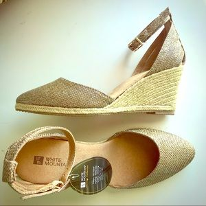 NEW White Mountain Gold Wedge Heel Sandals